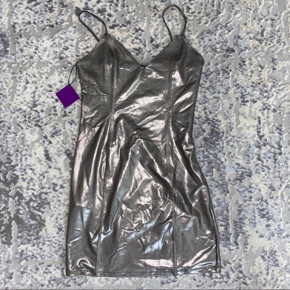 Forever 21 Dresses & Skirts - Shiny mini Dress